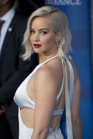 Jennifer Lawrence New Hair Style can jennifer lawrences hair defy the laws of space and time 4246 by stevesalt.us