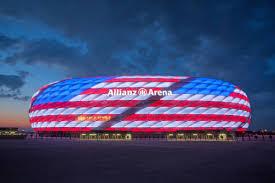 Allianz Arena leuchtet in amerikanischen Nationalfarben | Radio Gong 96.3 -  Münchens Hitradio