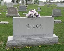 Maxine Riggs