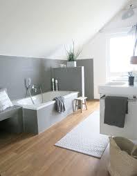 Modernes Badezimmer Mit Holz Und Beton Badezimmer Wohnen Bathroom