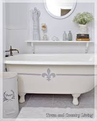 painting the claw foot tub, bathroom ideas, chalk paint, home decor,  painting