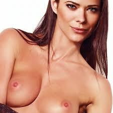 IMGBOC.COM Peyton List nude The Tomorrow People poster UHQ.jpg