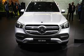 Gefertigt werden die automobile seit. New Mercedes Benz Gle 350 De 4matic Tries To Stand Out Among All Those Pure Evs Carscoops