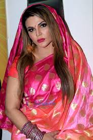 चित्र:Rakhi Sawant snapped attending a press conference (05).jpg -  विकिपीडिया