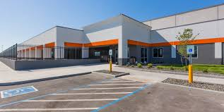 autozone building. Exellent Building AutoZone Is The Secondlargest Retailer Of Automotive Parts And Accessories  In United States The Company Has More Than 5100 Stores Across  And Autozone Building