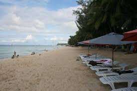 beach front of the resort - Picture of La Carmela de Boracay ...