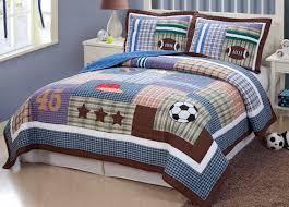 Field Sports Boys Bedding Full/Queen Quilt Set - Soccer, Football ... & Classic Sports Bedding for a tween or teen boy - My World Field Sports Quilt  Set Adamdwight.com