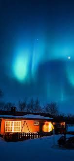 nl51-aurora-canada-house-night-winter ...