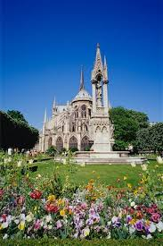 notre dame cathedral garden stock