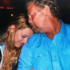 Blake Lively pays tribute to her father, actor Ernie Lively, following his  death | US and World News