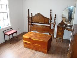 Old Fashioned Bedroom Furniture Vintage Thomasville Bedroom Furniture Curved Oak Wood Vanity