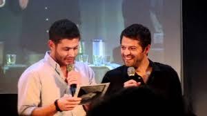 JIB 3: Jensen & Misha Panel: Misha's old resume - Jensen laughing  hysterically -