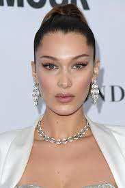 Bella Hadid: Ihr extremer Beauty-Wandel ...