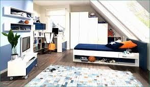 Schlafzimmer Einrichten Mit Dachschrugen Und Wohnzimmer Mit