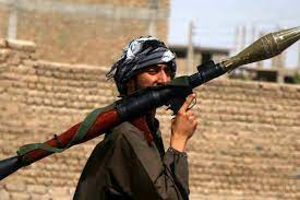 Helmand'ın merkezine giren Taliban BM binasını hedef aldı