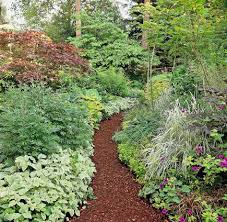 garden paths easy. wood mulch: easy and natural garden paths s