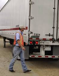 troubleshooting trailer lights maintenance trucking info below are some basic guidelines on how to troubleshoot some of the problems that arise a trailer lighting system
