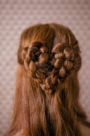 how gorgeous is this heart braid it would make everyone around you smile my friend reagan of hairdresser on fire came up with this back to braid