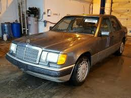 The german car maker consistently pushes the edge of automotive technology and is often the first brand to market new innovations. 1991 Mercedes Benz 300e Wdbea30d1mb341939 Photos Poctra Com