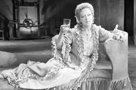 Алиса Фрейндлих биография фото личная жизнь фильмы муж и  Алиса Фрейндлих в спектакле Коварство и любовь
