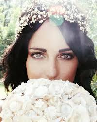 Video zähne weiß bekommen anleitung zum selber machen. Brautfrisur Mit Blumenkranz Frisuren Mit Frischen Blumen