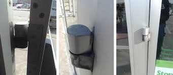 pivot hinge door. user submitted photos of commercial door hardware. pivot hinge
