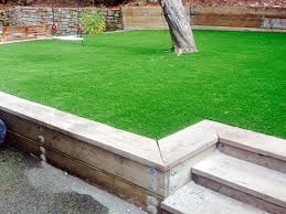 Landscaping Design Ideas For Backyard Classy Modren Grass Throughout Best Fake Grass Pigout