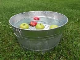 "Результат пошуку зображень за запитом ""apple in the water"""