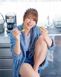 WEB Magazine : ( [FRIDAY Digital - Gravure] -  FRIDAY - 12/10/2018 - Ami Inamura : 稲村亜美 グラビア復活「神ボディ」  ) - Passion Nippones