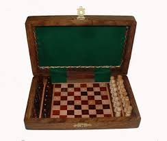 6 x 4 inch peg travel chess