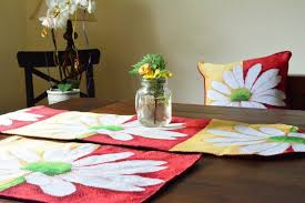 diy table runner ideas inexpensive table runner ideas how to decorate with table runners short table runner