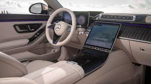 Brilliant displays on up to five large screens, in part with oled technology, make control of vehicle and comfort functions even. First Look 2021 Mercedes Maybach S580 Debuts With Garish Posh Style