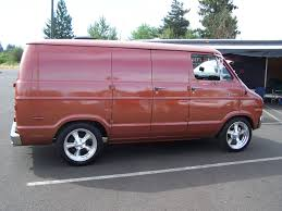 Dodge Van - Information and photos - MOMENTcar