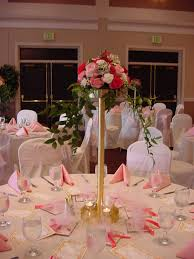 Round Table Special Wedding Decoration Ideas Flowers In Glass Stand Vase On Round