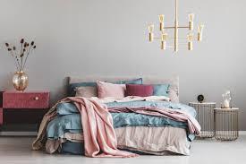Weitere schlafzimmerlampen, die nicht fehlen sollten, sind nachttischleuchten, die für ein angenehmes und behagliches leselicht sorgen und direkt vom bett aus zu erreichen sind. Nachttisch Weiss Bis Retro Traumhafte Designs Fur Dein Schlafzimmer