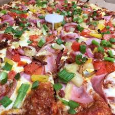 photo of round table pizza palo alto ca united states extreme closeup