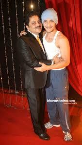 Hindi Events Udit Narayan & Aditya Narayan Photo gallery | Udit narayan,  Singer, Celebrities