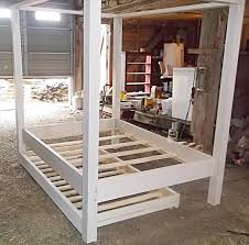 reclaimed pallet twin pallet canopy bed