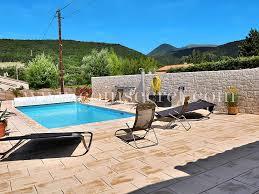location d une villa pour des vacances à montjoux la paillette avec coins secrets