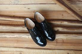 genuine leather women shoes brogues lace up flat heels round toe patent leather black oxfords women
