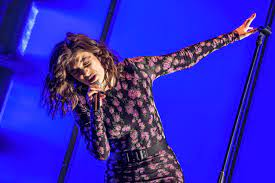 Lorde teases new music with 'Solar ...