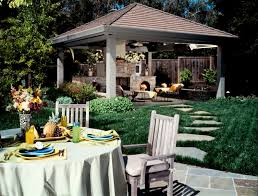 outdoor living spaces istock 000001495973small