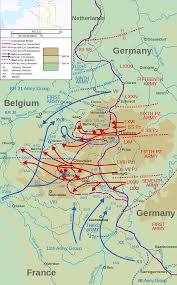 battle of the bulge map showing the swelling of the bulge as the german offensive progressed creating the nose like salient during 16 25 1944
