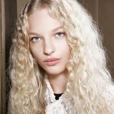 7 лучших <b>стайлеров для завивки волос</b> | BURO.
