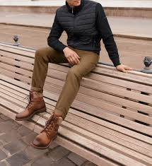 Chelsea boots outfit mens chelsea boots estilo david beckham jean jacket outfits style masculin tomboy outfits men's outfits mens boots fashion womens fashion. Rugged Looks And Thick Boots The Perfect Winter Footwear And Jackets For Your Outfits Offizieller Bugatti Online Shop
