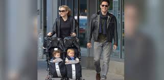 anna paquin says husband stephen moyer likes changing diapers anna paquin says husband stephen moyer likes changing diapers