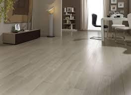 oak laminated flooring