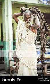 Hemis Sadhu Saint Homme Yogi Coiffure Dreadlocks Rasta