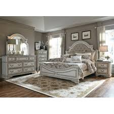 Antique White Traditional 4 Piece Queen Bedroom Set - Magnolia Manor ...