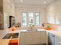 Kitchen:Narrow Breakfast Bar Kitchen Decoration Using Round Wooden Dining  Table Plus Glass Flower Centerpieces